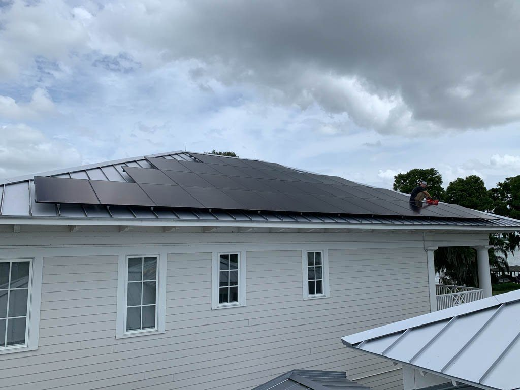 Side view of a solar array on a metal roof in WInter Haven, FL
